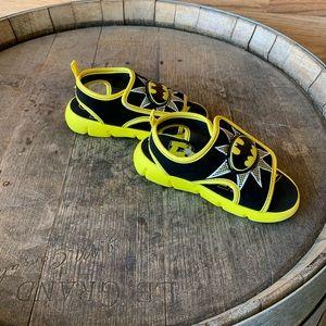 BATMAN  Boy's Sandals YellowLight Up Shoes SZ 9/10